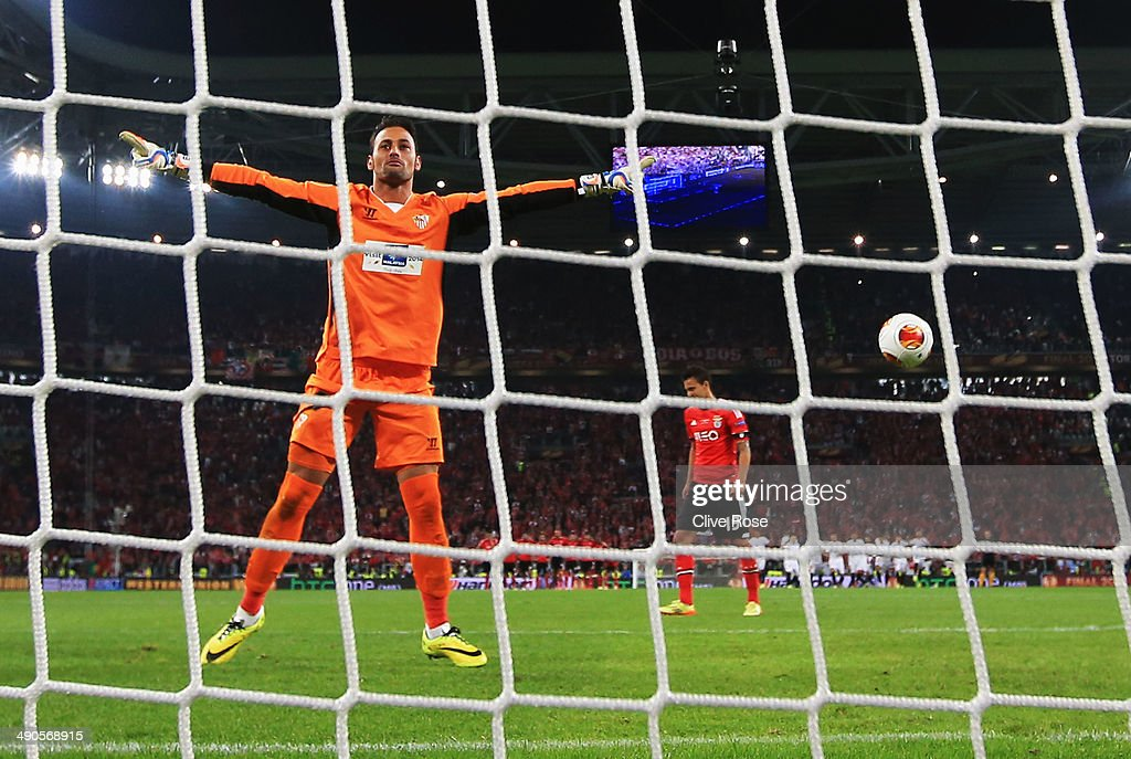Beto of Sevilla celebrates after making a save from Rodrigo Moreno of Benfica during the penalty shoot out during the UEFA Europa League Final match between Sevilla FC and SL Benfica at Juventus Arena on May 14, 2014 in Turin, Italy.