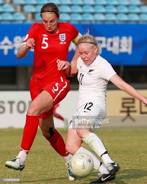 Betsy Hassett of New Zealand and Faye White of England compete for the ball during the Peace Queen Cup match between England and New Zealand at Suwon...