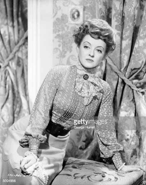 Bette Davis plays the ambitious Regina Giddens in 'The Little Foxes' directed by William Wyler for RKO