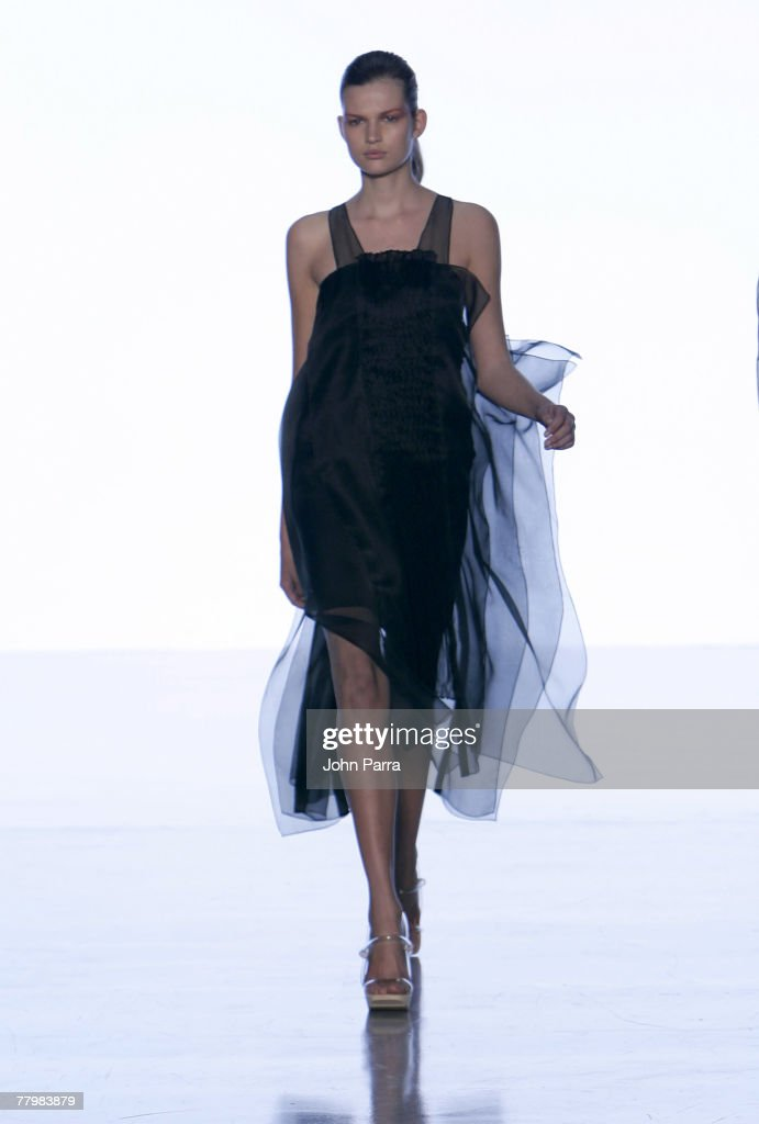 Bette Franke Runway Olympus Fashion Week S...