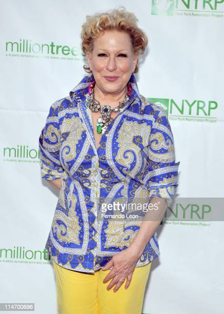 Bette Midler attends Bette Midler's New York Restoration Project's 10th annual spring picnic at Gracie Mansion on May 25 2011 in New York City