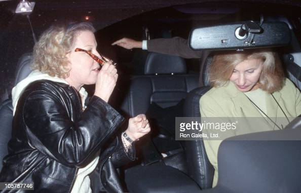 Bette Midler during Bette Midler Arrives at the LAX from New York December 3 1998 at Los Angeles International Airport in Los Angeles California...