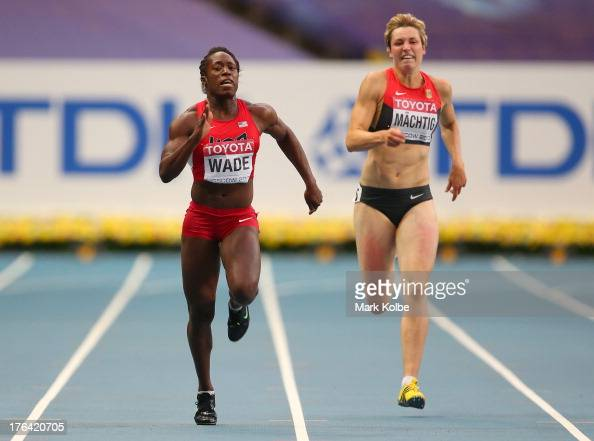 Wade United States  City new picture : Bettie Wade of the United States and Julia Machtig of Germany compete ...