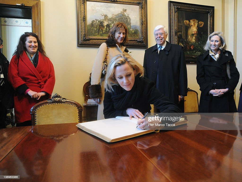 Bettina Wulff visits Rest Home for Musicans ' Giuseppe Verdi ' FoundationFebruary 14, 2012 in Milan, Italy.