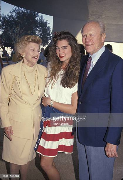 Betty Ford Brooke Shields and Gerald Ford during 'Bob Hope's Yellow Ribbon Party' Taping March 31 1991 at Bob Hope's Home in Palm Springs California...