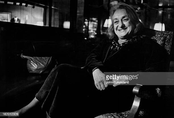 DEC 2 1981 MAR 7 1982 Betty Friedan explains how the women's movement must change *****