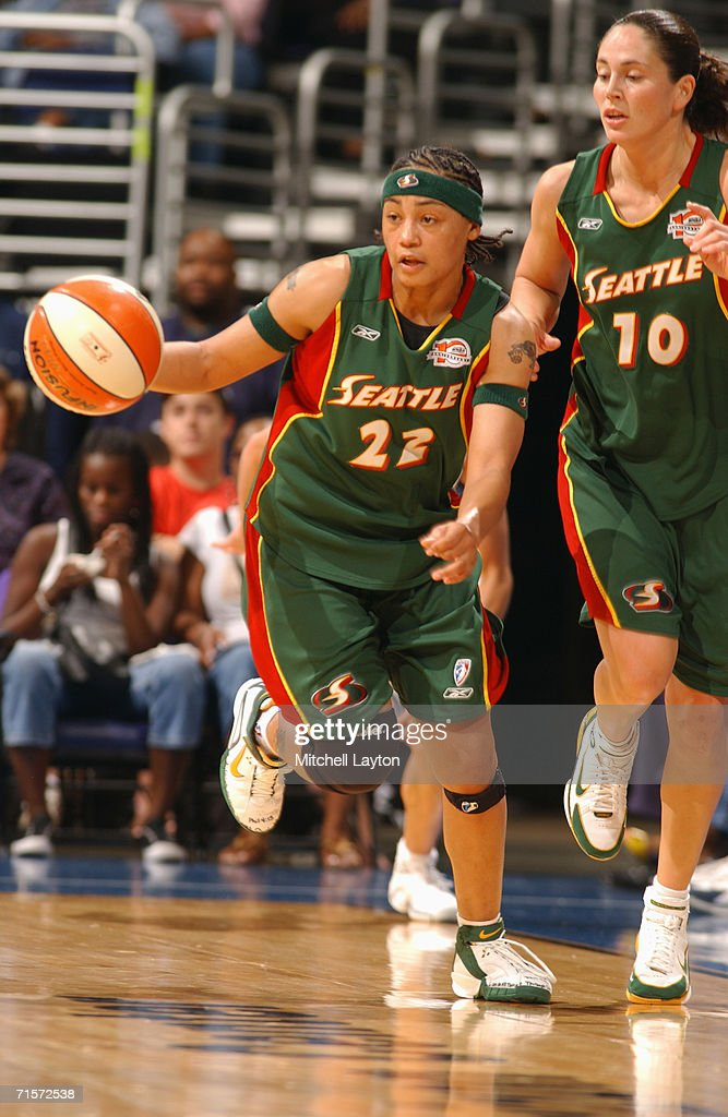 Betty Lennox #22 of the Seattle Storm moves the ball up court during a game against the Washington Mystics at MCI Center on July 23, 2006 in Washington, D.C. The Storm won 73-71.