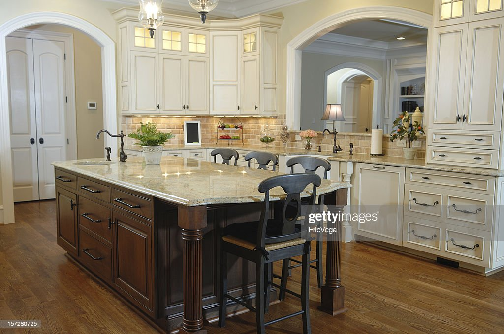 Beutiful Suburban Home : Stock Photo