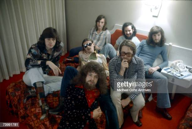 Bev Bevan Hugh McDowell Richard Tandy Mike Edwards Mik Kaminsky Mike DeAlbuquerque and Jeff Lynne of the rock and roll band 'Electric Light...