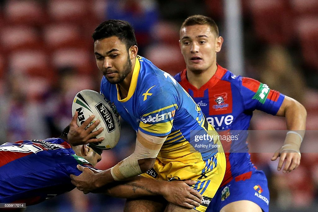 Bevan French of the Eels is tackled by the Knights defence during the round 12 NRL match between the Newcastle Knights and the Parramatta Eels at Hunter Stadium on May 30, 2016 in Newcastle, Australia.