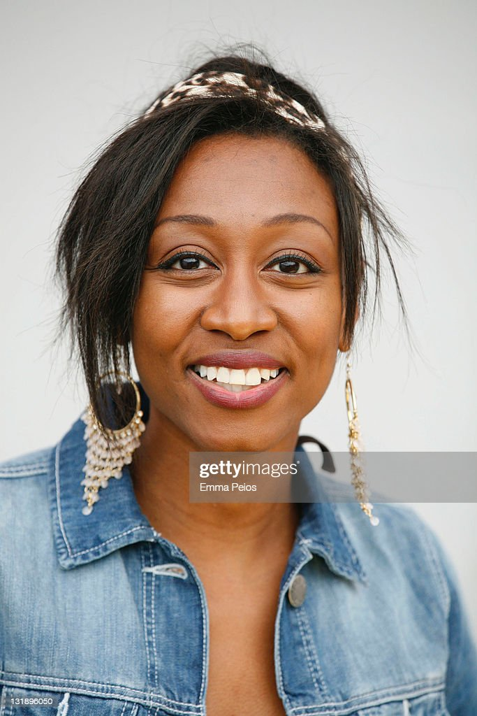 <a gi-track='captionPersonalityLinkClicked' href=/galleries/search?phrase=Beverley+Knight&family=editorial&specificpeople=204569 ng-click='$event.stopPropagation()'>Beverley Knight</a> perfoms at the 10km sponsored walk which raises funds for HIV and AIDS charity Crusaid at Potters Field Park on June 5, 2011 in London, England.