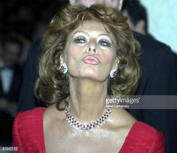 Beverly Hills Ca Italian actress Sophia Loren At The Costume Designers Guild Awards Gala At The Regent Beverly Wilshire Hotel