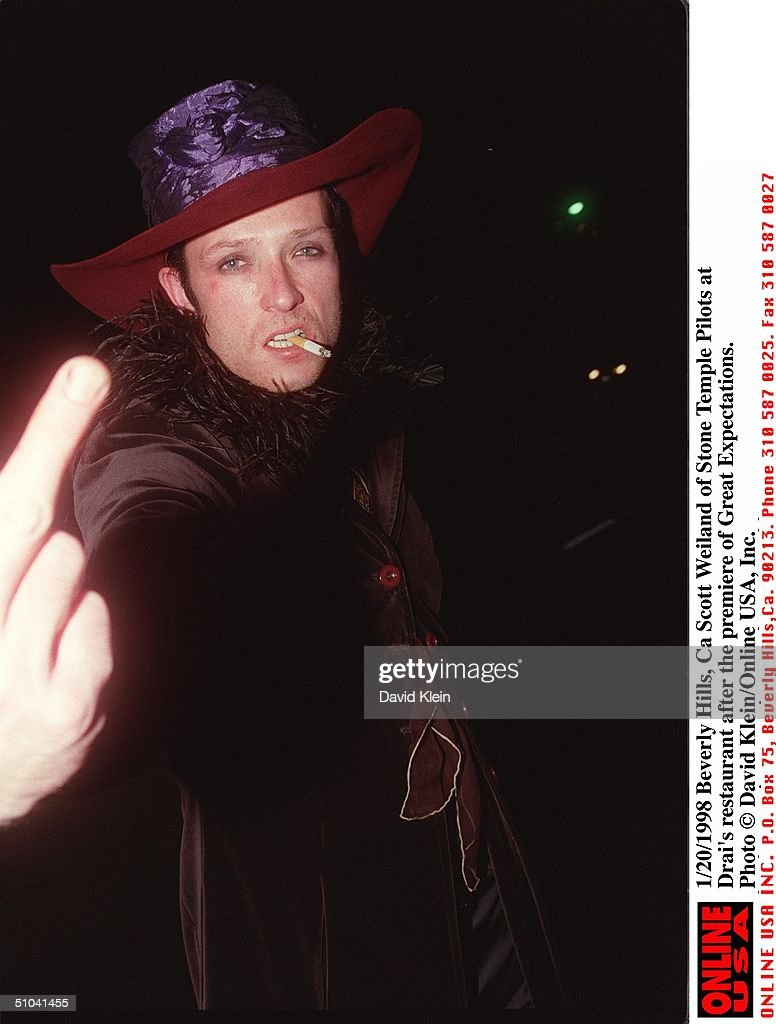 Beverly Hills Ca Scott Weiland Of Stone Temple Pilots At Drai's Restaurant After The Premiere Of Great Expectations
