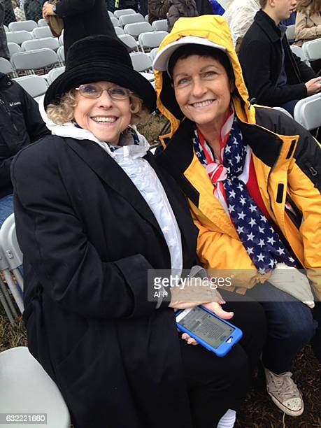Beverly Minardi poses at the US Capitol with her mother Norma CohenMinardi on January 20 2017 in WashingtonDC Throngs of happy Donald Trump...