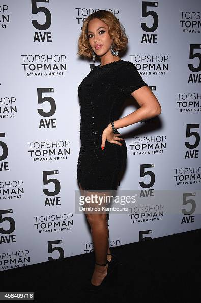Beyoncé Knowles and Sir Philip Green attend the Topshop Topman New York City flagship opening dinner at Grand Central Terminal on November 4 2014 in...