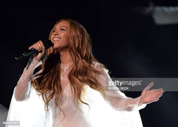 Beyoncé performs on stage at the 57th Annual Grammy Awards in Los Angeles February 8 2015 AFP PHOTO / ROBYN BECK