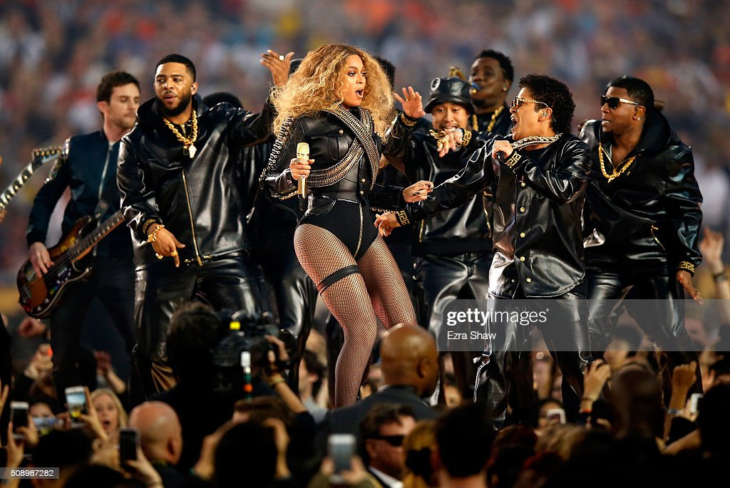 Beyonce and <a gi-track='captionPersonalityLinkClicked' href=/galleries/search?phrase=Bruno+Mars&family=editorial&specificpeople=6779692 ng-click='$event.stopPropagation()'>Bruno Mars</a> perform during the Pepsi Super Bowl 50 Halftime Show at Levi's Stadium on February 7, 2016 in Santa Clara, California.