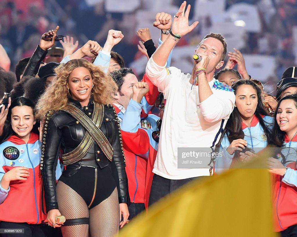 Beyonce (L) and <a gi-track='captionPersonalityLinkClicked' href=/galleries/search?phrase=Chris+Martin+-+Musiker&family=editorial&specificpeople=4468181 ng-click='$event.stopPropagation()'>Chris Martin</a> of Coldplay perform onstage during the Pepsi Super Bowl 50 Halftime Show at Levi's Stadium on February 7, 2016 in Santa Clara, California.
