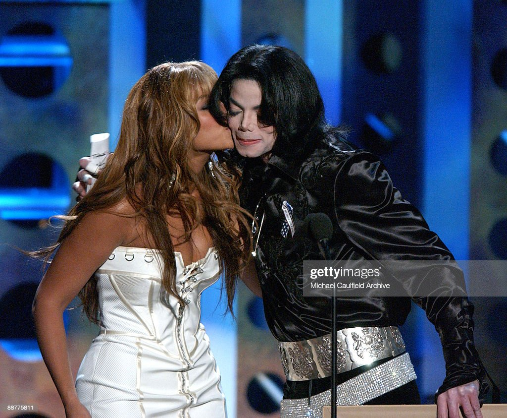 Beyonce and <a gi-track='captionPersonalityLinkClicked' href=/galleries/search?phrase=Michael+Jackson&family=editorial&specificpeople=70011 ng-click='$event.stopPropagation()'>Michael Jackson</a>
