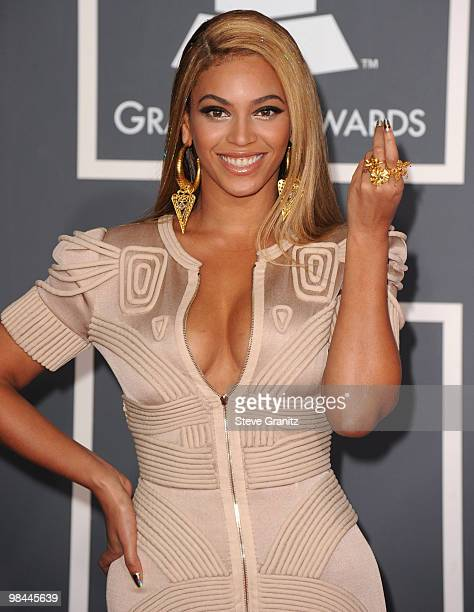 Beyonce arrives at the 52nd Annual GRAMMY Awards held at Staples Center on January 31 2010 in Los Angeles California at Staples Center on January 31...