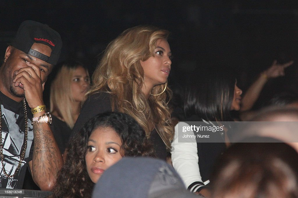 Beyonce attend The exclusive D'USSE VIP Lounge at Barclays Center on September 28, 2012 in New York City.