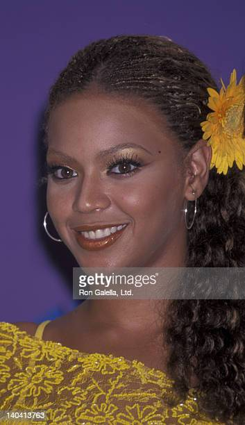Beyonce attends Third Annual Teen Choice Awards on August 12 2001 at the Universal Ampitheater in Universal City California