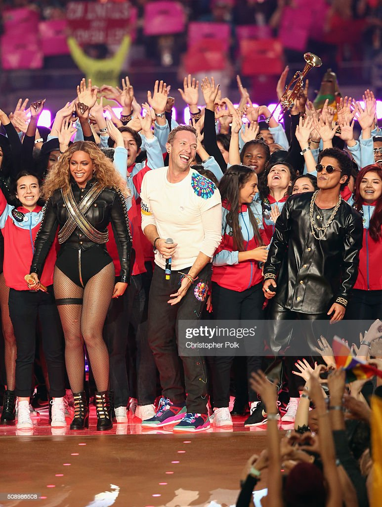Beyonce, <a gi-track='captionPersonalityLinkClicked' href=/galleries/search?phrase=Chris+Martin+-+Musician&family=editorial&specificpeople=4468181 ng-click='$event.stopPropagation()'>Chris Martin</a> of Coldplay and <a gi-track='captionPersonalityLinkClicked' href=/galleries/search?phrase=Bruno+Mars&family=editorial&specificpeople=6779692 ng-click='$event.stopPropagation()'>Bruno Mars</a> perform onstage during the Pepsi Super Bowl 50 Halftime Show at Levi's Stadium on February 7, 2016 in Santa Clara, California.