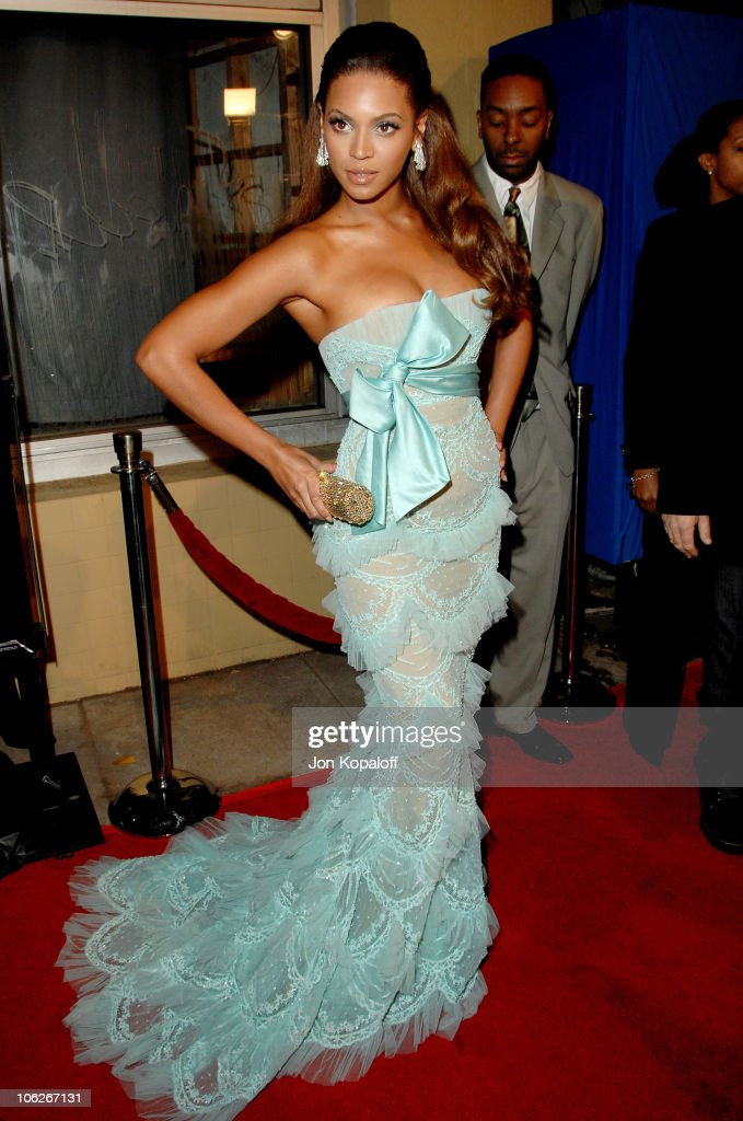 Beyonce during 'Dreamgirls' Los Angeles Premiere Arrivals at Wilshire Theatre in Beverly Hills California United States