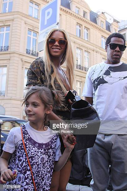 Beyonce Knowles and Jay Z arrive at 'L'Avenue' restaurant to celebrate their wedding anniversary on April 20 2011 in Paris France