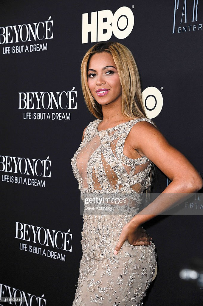 <a gi-track='captionPersonalityLinkClicked' href=/galleries/search?phrase=Beyonce+Knowles&family=editorial&specificpeople=171204 ng-click='$event.stopPropagation()'>Beyonce Knowles</a> attends 'Beyonce: Life Is But A Dream' New York Premiere at Ziegfeld Theater on February 12, 2013 in New York City.