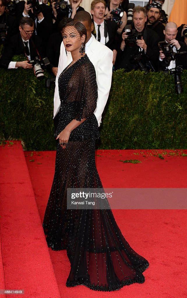 Beyonce Knowles attends the 'Charles James: Beyond Fashion' Costume Institute Gala held at the Metropolitan Museum of Art on May 5, 2014 in New York City.