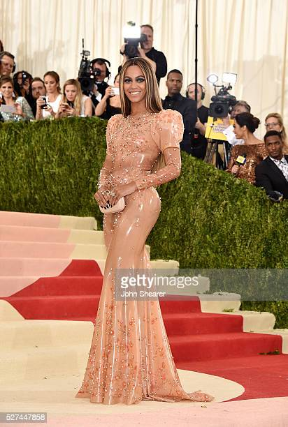 Beyonce Knowles attends the 'Manus x Machina Fashion In An Age Of Technology' Costume Institute Gala at Metropolitan Museum of Art on May 2 2016 in...