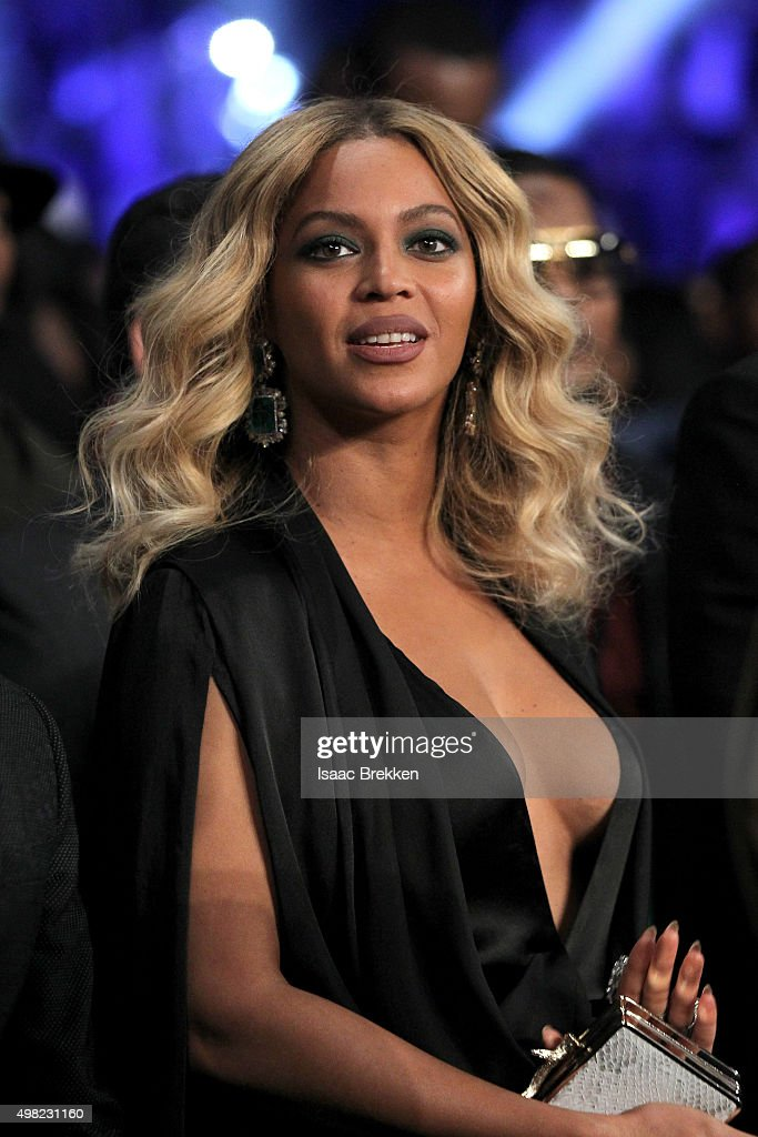 Beyonce Knowles looks on before Miguel Cotto takes on Canelo Alvarez in their middleweight fight at the Mandalay Bay Events Center on November 21, 2015 in Las Vegas, Nevada.