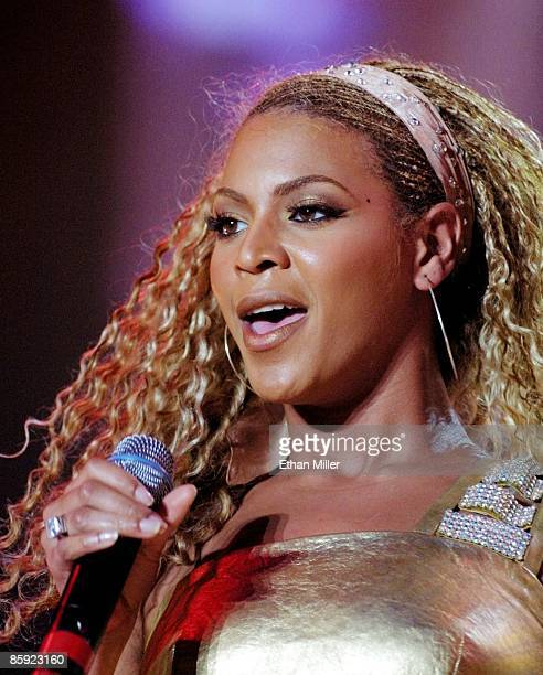 Beyonce Knowles of Destiny's Child performs during a soldout show as the group headlines MTV's TRL tour at the Mandalay Bay Events Center August 31...