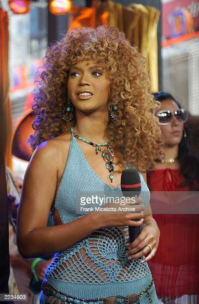 Beyonce Knowles on MTV TRL to promote the film 'Austin Powers in Goldmember' at the MTV Times Square Studios in New York City July 26 2002 Photo by...