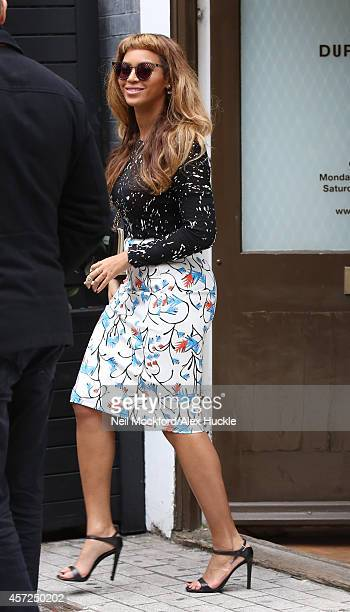 Beyonce Knowles seen shopping in Mayfair on October 15 2014 in London England