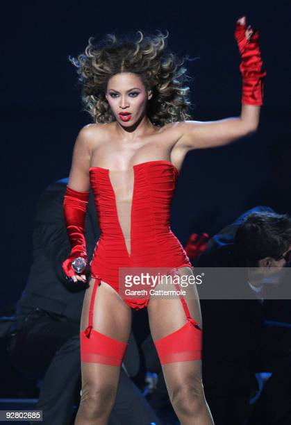 Beyonce performs during the 2009 MTV Europe Music Awards held at the O2 Arena on November 5 2009 in Berlin Germany