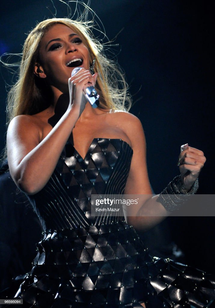Beyonce performs onstage at the 52nd Annual GRAMMY Awards held at Staples Center on January 31, 2010 in Los Angeles, California.