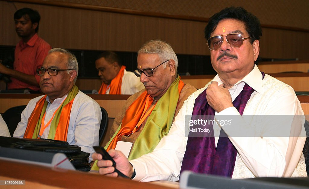 Bhartiya Janata Party (BJP) leaders Yashwant Sinha and Shatrughan Sinha during BJP's National Executive meeting in New Delhi on September 30, 2011. The meeting which started September 30 to take stock of the political situation in the country and to formulate a strategy to take on the ruling Congress on the issue of corruption.