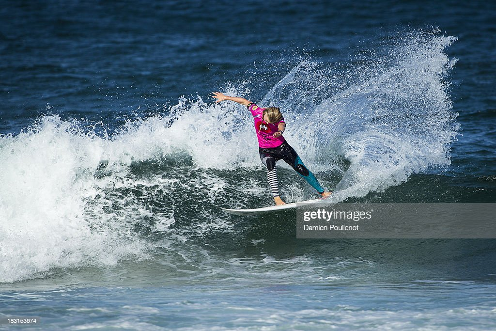 Bianca Buintendag from South Africa was defeated by Carissa Moore in the quarter final at EDP Girls Pro on October 5, 2013 in Cascais, Portugal.