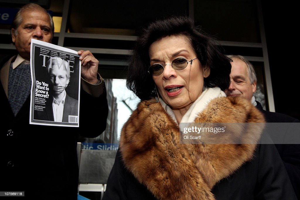 <a gi-track='captionPersonalityLinkClicked' href=/galleries/search?phrase=Bianca+Jagger&family=editorial&specificpeople=216047 ng-click='$event.stopPropagation()'>Bianca Jagger</a> arrives at Westminster Magistrates court as Wikileaks founder <a gi-track='captionPersonalityLinkClicked' href=/galleries/search?phrase=Julian+Assange&family=editorial&specificpeople=7117000 ng-click='$event.stopPropagation()'>Julian Assange</a> appeals for bail on December 14, 2010 in London, England. Mr Assange is expected to seek bail during his extradition hearings.