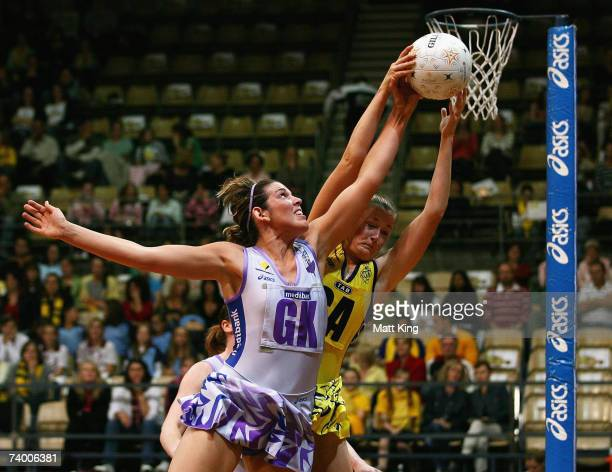 Bianca Reddy of the Thunderbirds and Susan Pratley of the Swifts compete for the ball during the round one 2007 Commonwealth Bank Trophy match...