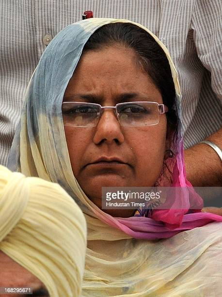 Bibi Nirpreet Kaur is on fast during the dharna protest against the acquittal of Congress politician Sajjan Kumar at Jantar Mantar on May 8 2013 in...