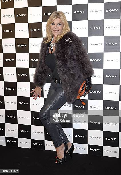 Bibiana Fernandez attends Sony Xperia Z1 photography exhibition at the Real Jardin Botanico on October 30 2013 in Madrid Spain