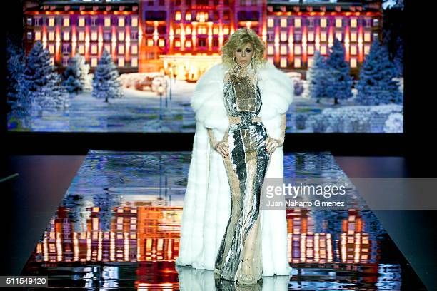 Bibiana Fernandez walks the runway at the Andres Sarda show during the MercedesBenz Madrid Fashion Week Autumn/Winter 2016/2017 at Ifema on February...