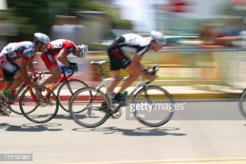Bicycle Race: Breaking away