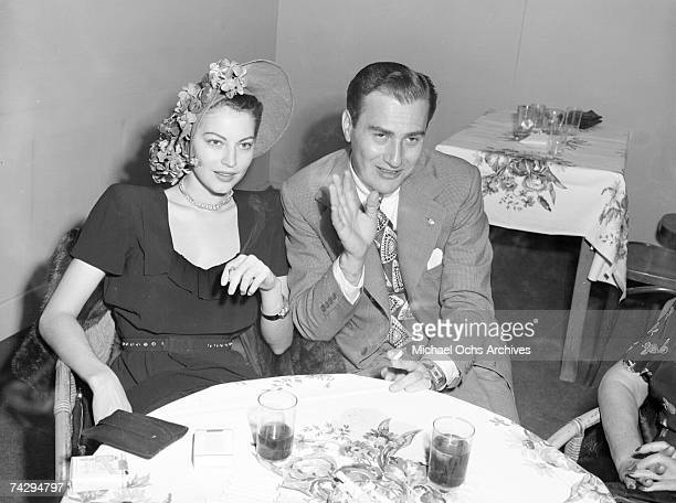 Big Band Leader Artie Shaw and his wife actress Ava Gardner share cocktails on September 19 1945 in Los Angeles California