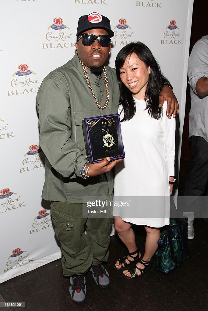 <a gi-track='captionPersonalityLinkClicked' href=/galleries/search?phrase=Big+Boi&family=editorial&specificpeople=202898 ng-click='$event.stopPropagation()'>Big Boi</a> and Miss Info attend the Crown Royal Black launch at Room Service on May 11, 2011 in New York City.