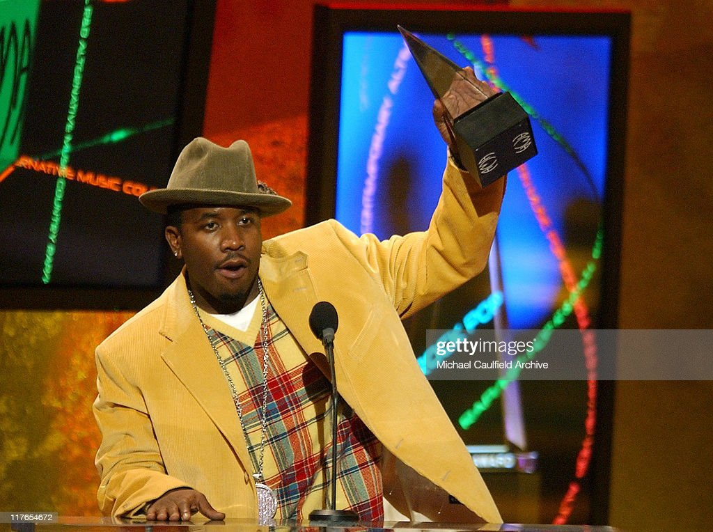 Big Boi of OutKast accepts the award for Pop/Rock Favorite Band Duo or Group Award