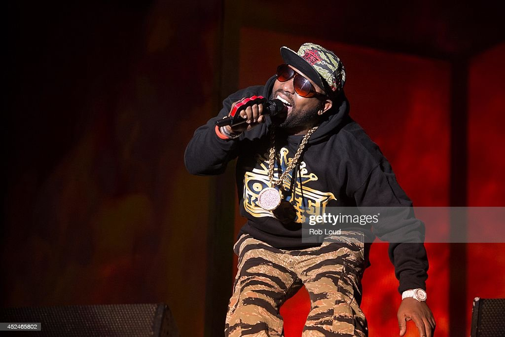 <a gi-track='captionPersonalityLinkClicked' href=/galleries/search?phrase=Big+Boi&family=editorial&specificpeople=202898 ng-click='$event.stopPropagation()'>Big Boi</a> of Outkast performs at Pemberton Music Festival on July 20, 2014 in Pemberton, Canada.